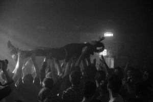 Beatpol Crowdsurfing